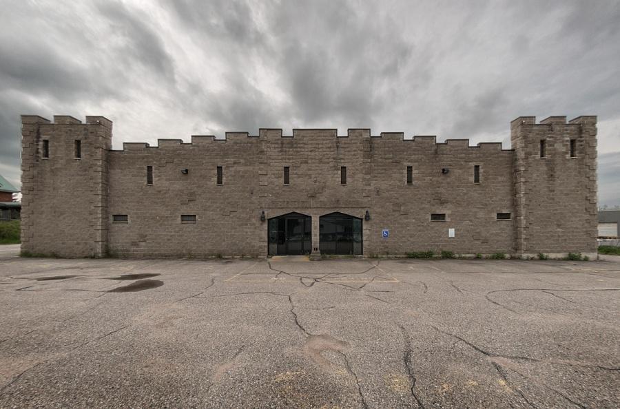 Castle - North Bay - Ontario